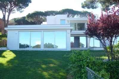 Шикарный новый дом в охраняемой урбанизации Сант Франсеск с видом на море